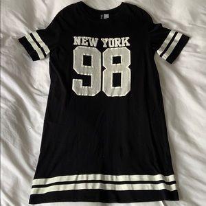 Black and white tshirt dress